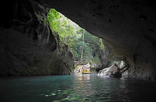 Caves Branch Nohuch Che'en Reserve Cave Tubing